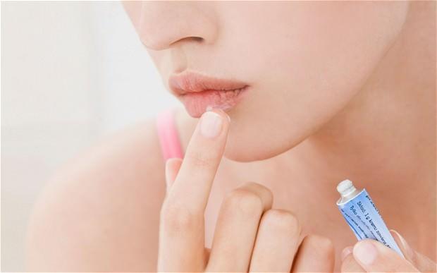 лечение герпеса на губах в домашних
